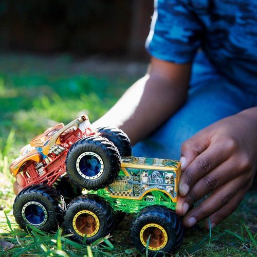 FYJ64_Conjunto_com_2_Carrinhos_Hot_Wheels_Monster_Trucks_Demolition_Doubles_Sortido_Mattel_2