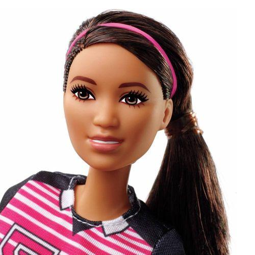 GFX23_Boneca_Barbie_Profissoes_Especial_60_Anos_Jogadora_de_Futebol_Mattel_2