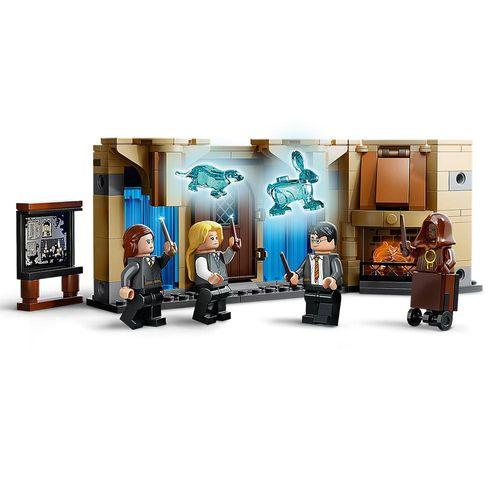LEGO_Harry_Potter_Sala_Precisa_de_Hogwarts_75966_4